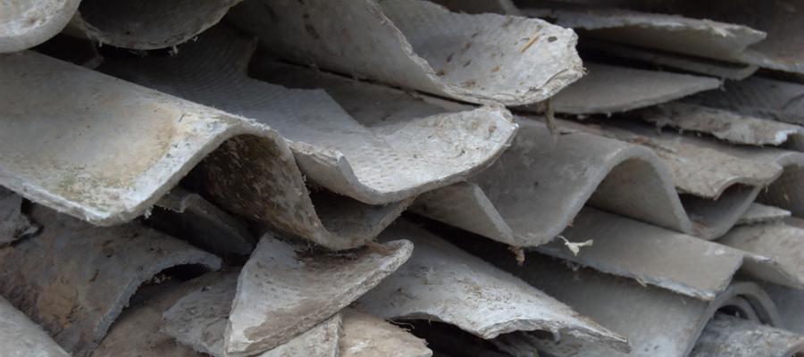 La Defensoría del Pueblo porteña alerta que 10 escuelas públicas pueden tener asbesto